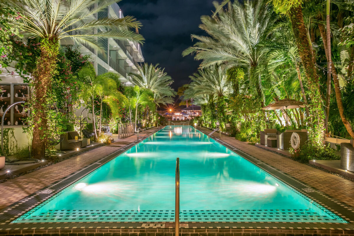 The National Hotel Infinity Pool Turquoise at Night